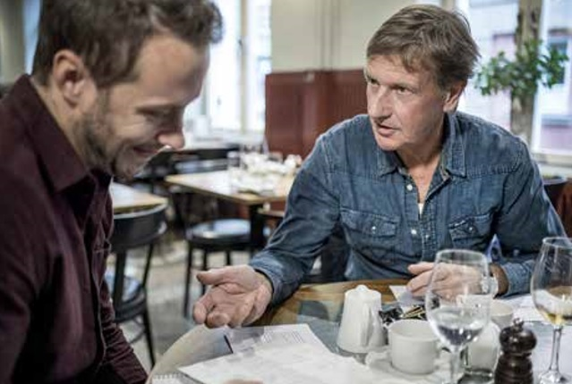 Marcus Leifby samtalar med Kjell Andersson. Foto: Magnus Herbertsson/Aftonbladet
